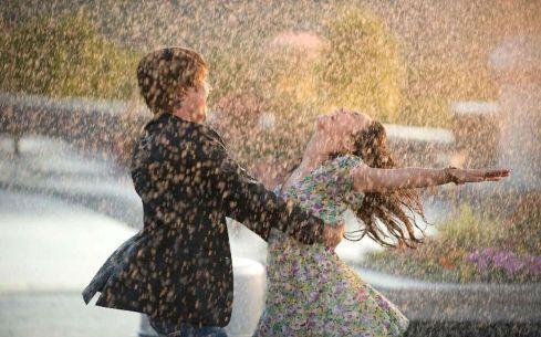 Risultati immagini per ballare sotto pioggia