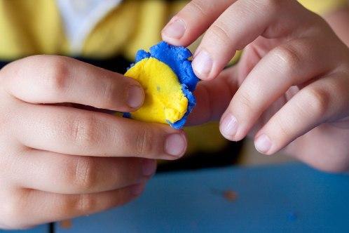 piccolo-blu-piccolo-giallo-crescere-leggendo