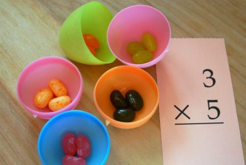 come-imparare-le-tabelline-giocando-le-tabelline-canterine-silvia-rinaldi